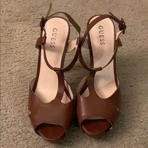 Guess Leather pumps